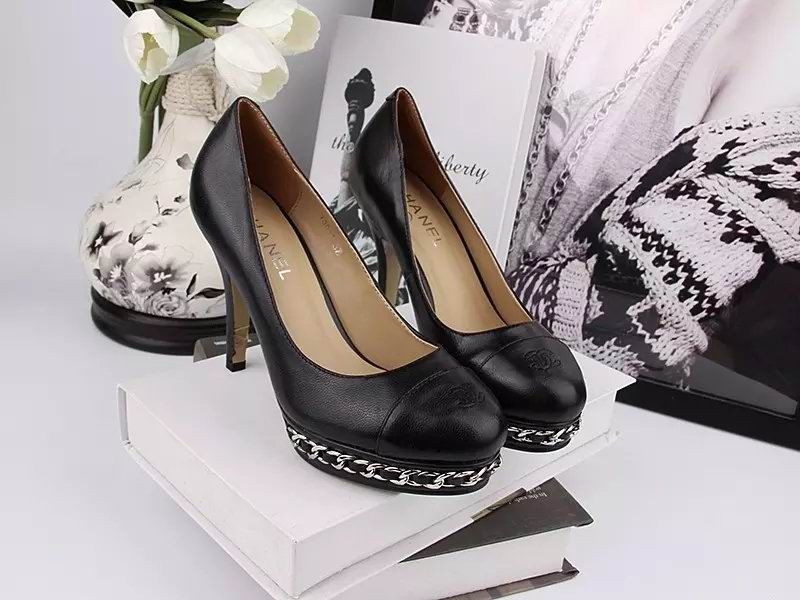 Chanel sheepskin pumps black