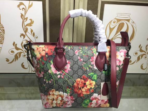 Gucci Soft GG Red Blooms tote