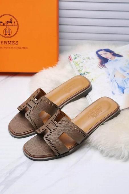 Hermes Oran sandal khaki