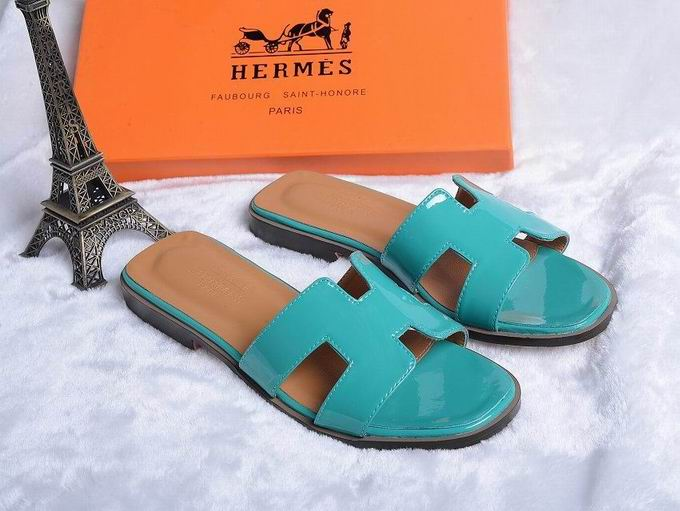 Hermes Patent leather oran sandal green