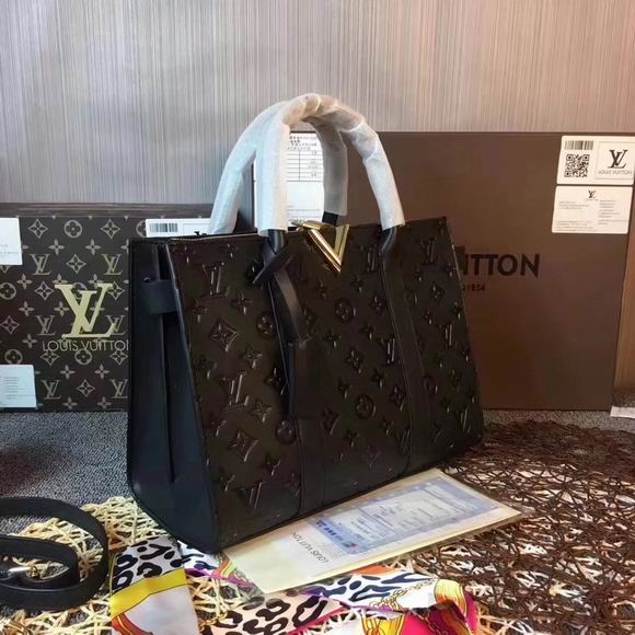 Louis Vuitton VERY TOTE MM  Black Leather