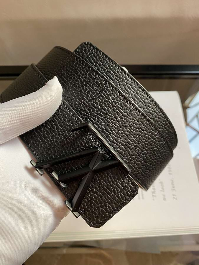 Louis Vuitton Belts027