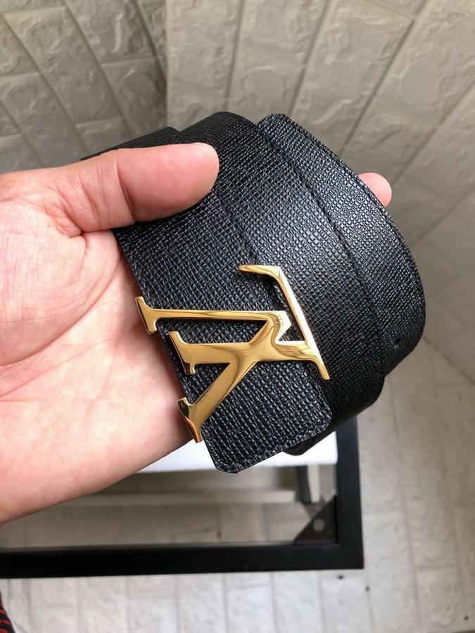 Louis Vuitton Belts035