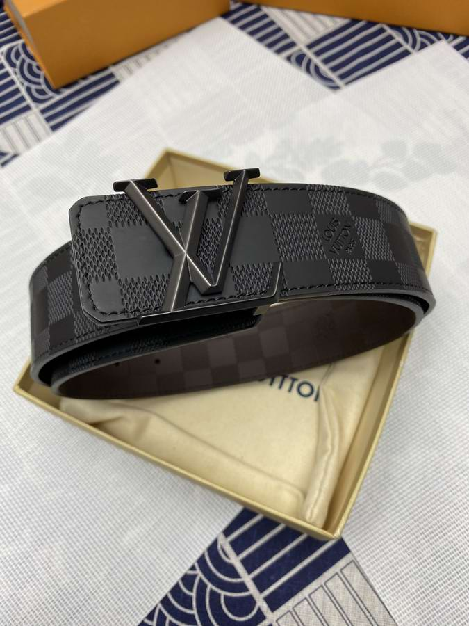 Louis Vuitton Belts040