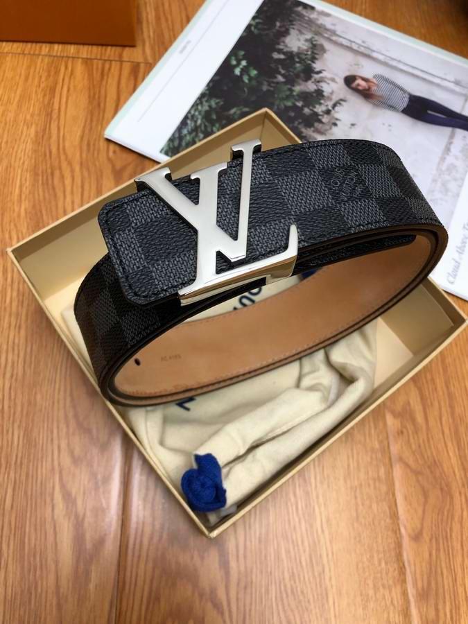 Louis Vuitton Belts044