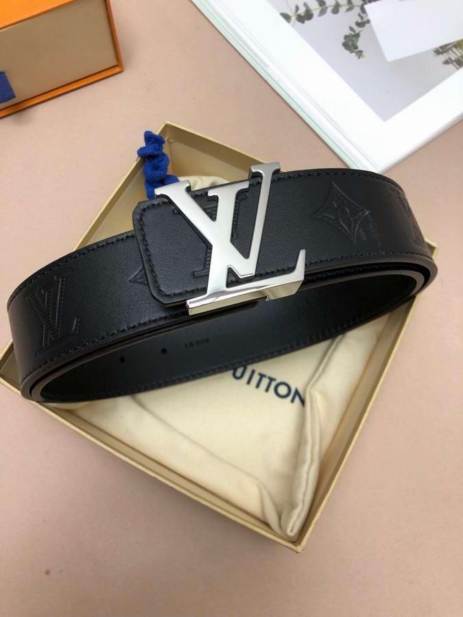 Louis Vuitton Belts050