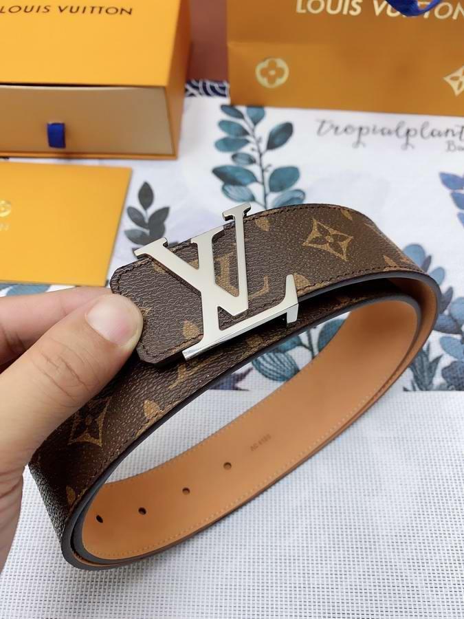 Louis Vuitton Belts051