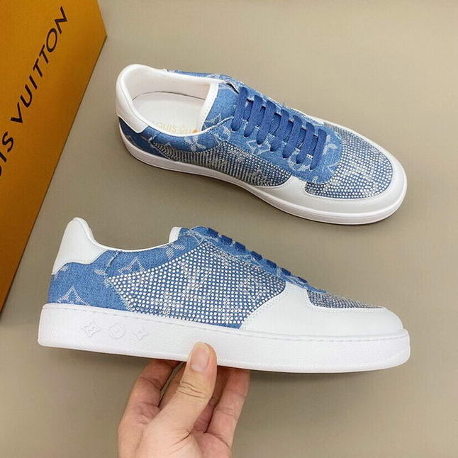 Men Louis Vuitton shoes122