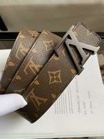 Louis Vuitton Belts010