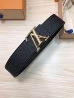 Louis Vuitton Belts038