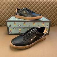 Men Gucci shoes 134