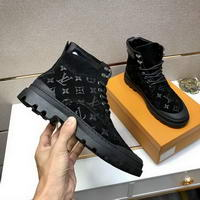 Men Louis Vuitton shoes173