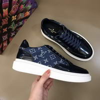 Men Louis Vuitton shoes243