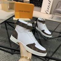 Men Louis Vuitton shoes249