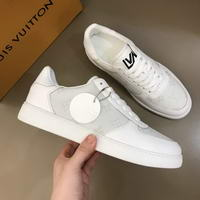 Men Louis Vuitton shoes255