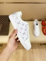 Men Louis Vuitton shoes269