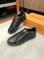 Men Louis Vuitton shoes272