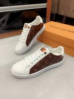 Men Louis Vuitton shoes274