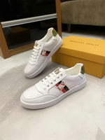 Men Louis Vuitton shoes275